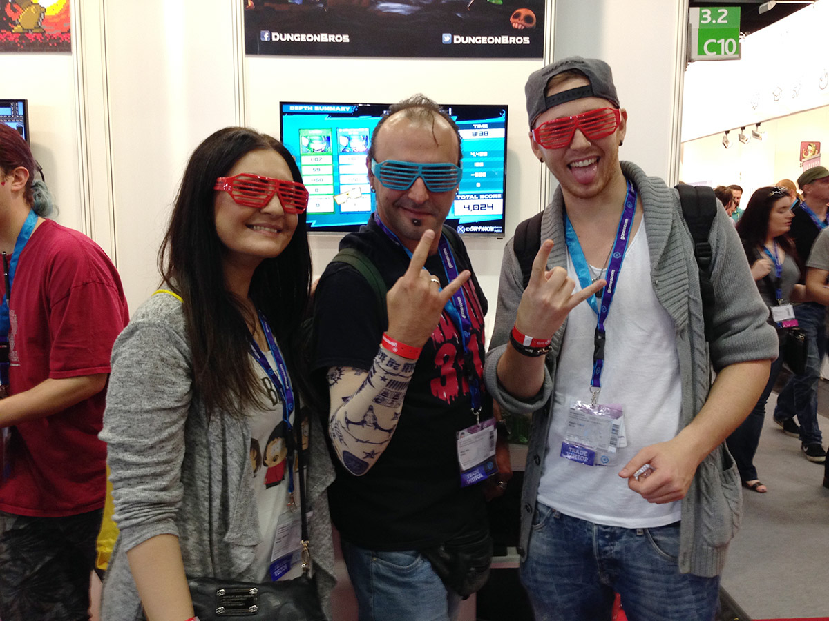 Fans of Super Dungeon Bros rocking their shutter shades!